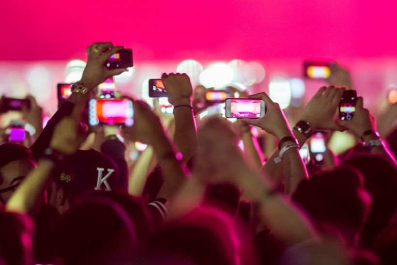 Συνηθίσαμε τον ψηφιακό κόσμο και μας τρομάζει ο πραγματικός