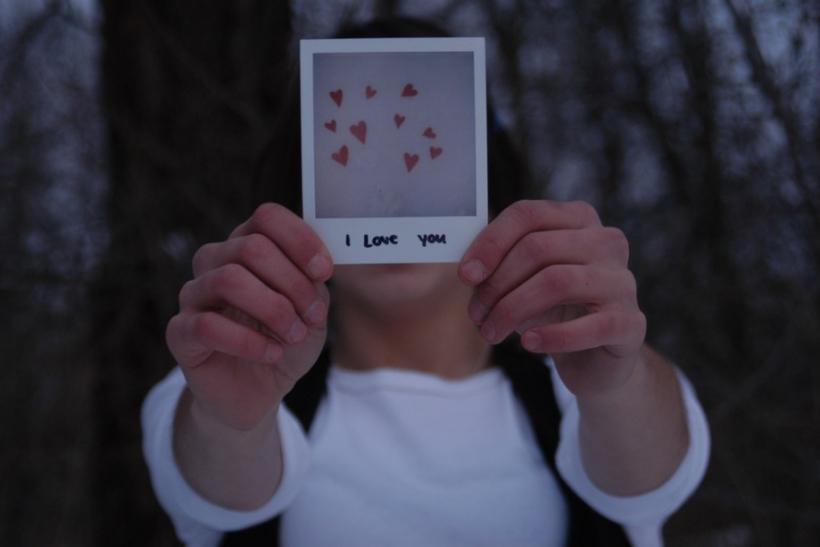 Ερωτευόμαστε πρόσωπα ή την ιδέα του έρωτα;