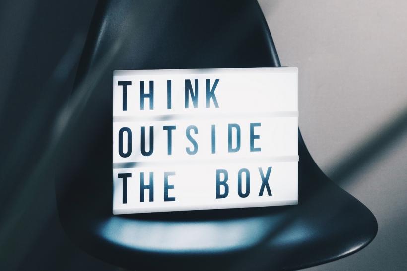 Σκέψου ανοιχτόμυαλα