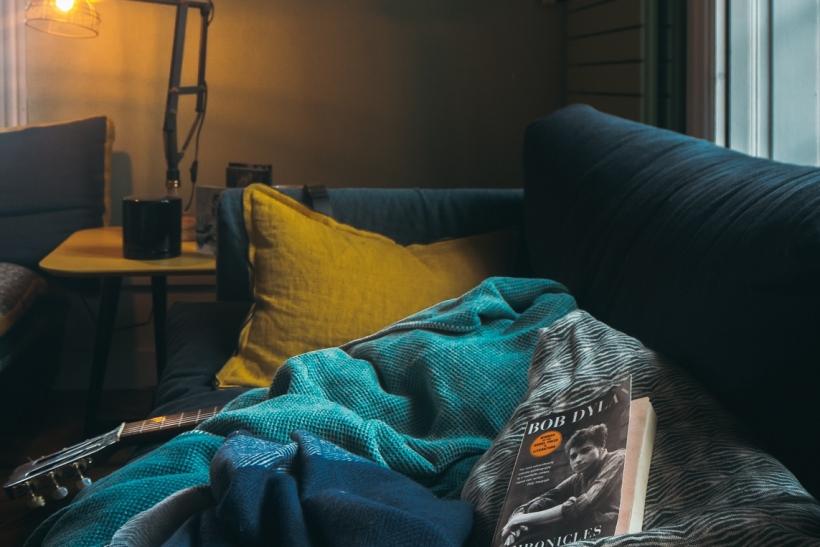 Σεξ-φαΐ-τηλεόραση-καναπές-ύπνος