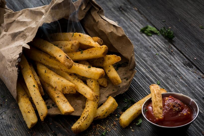 Μόνο με τον κολλητό μοιραζόμαστε τις πατάτες