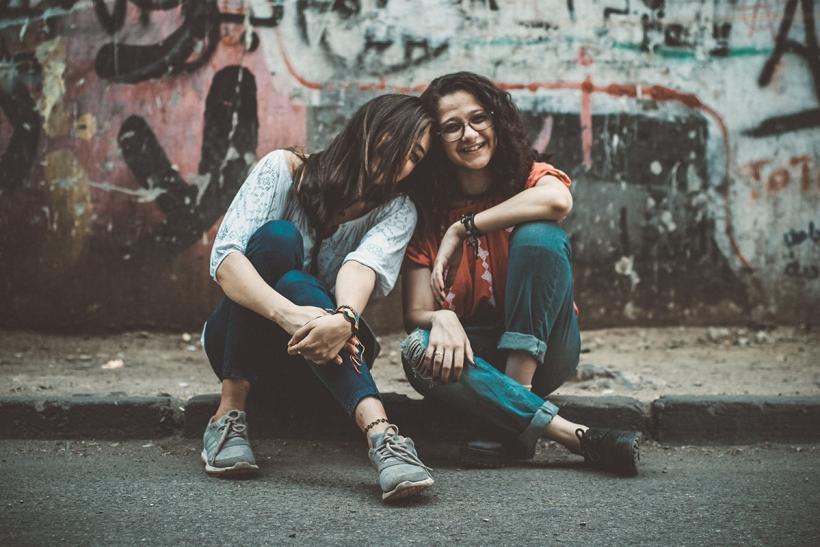 Ο πραγματικός φίλος δε θα σου γκρινιάξει κι αν χαθείς