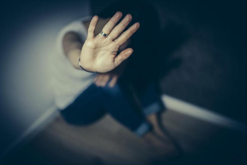 Η κακοποίηση δε σημαδεύει μόνο το κορμί