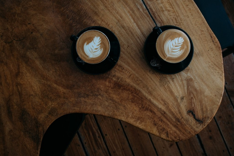 Ο καφές με τον κολλητό τραβάει τουλάχιστον κάνα τρίωρο