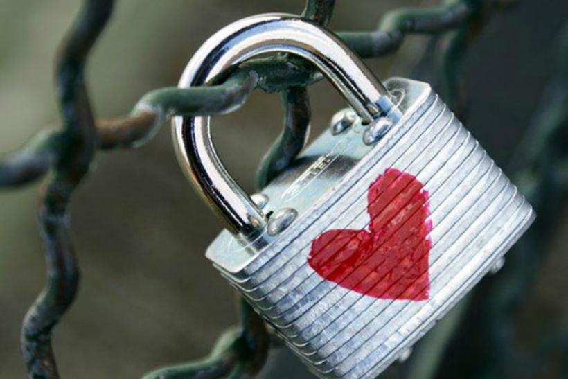 Δε σβήνεται εκείνος που σ' αγάπησε πραγματικά