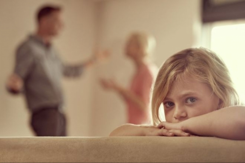Όταν τσακώνονται οι γονείς πληγώνεται πρωτα το παιδί