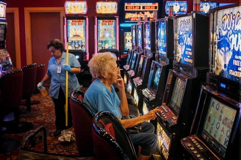Υποκλινόμαστε στους ηλικιωμένους που δεν ξέχασαν να ζουν!