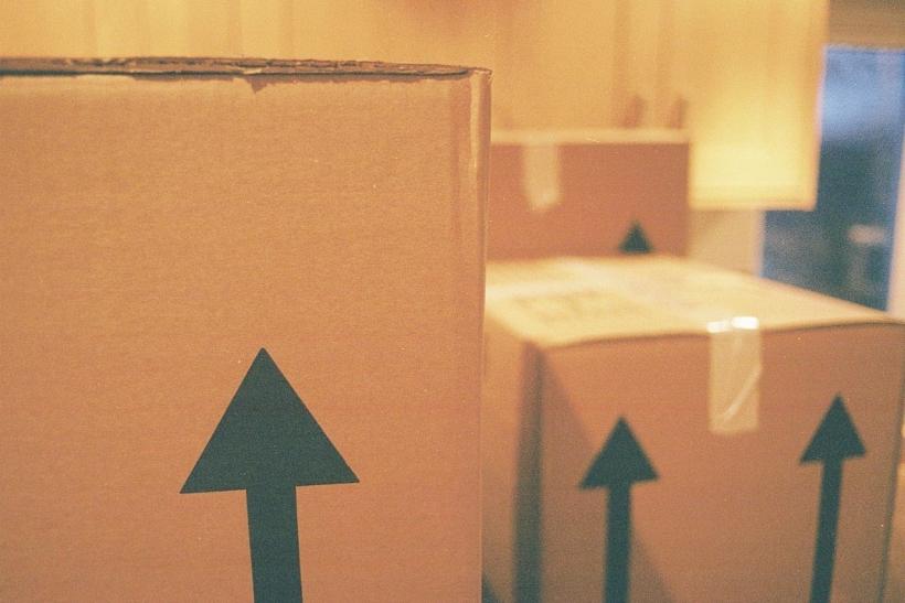 Νόμος: Όταν μετακομίζεις χάνεις πράγματα