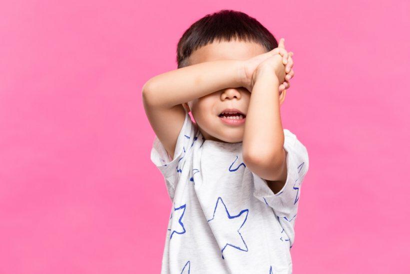 Γιατί να πρέπει να αλλάξουμε ένα εσωστρεφές παιδί σε εξωστρεφές;