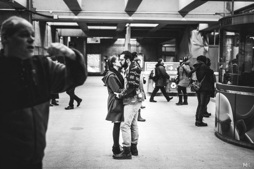 Τα ευτυχισμένα ζευγάρια φαίνονται από μακριά