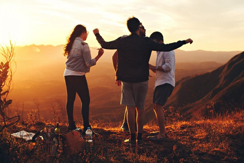 Η σχέση δεν καλύπτει το κενό της φιλίας κι αντιστρόφως