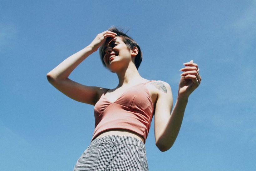 10 λόγοι να μη σε νοιάζει η γνώμη του κόσμου