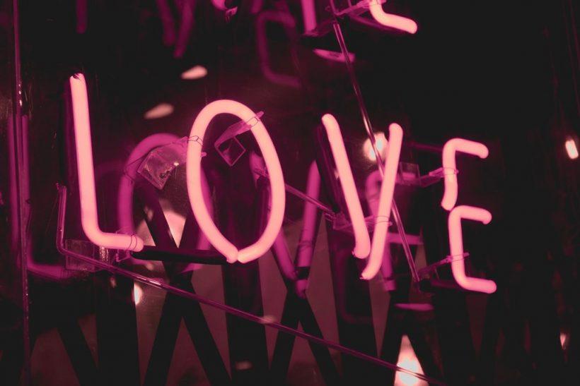 Ο έρωτας σ' αλλάζει