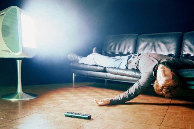 Κοιμάσαι με την τηλεόραση ανοιχτή;