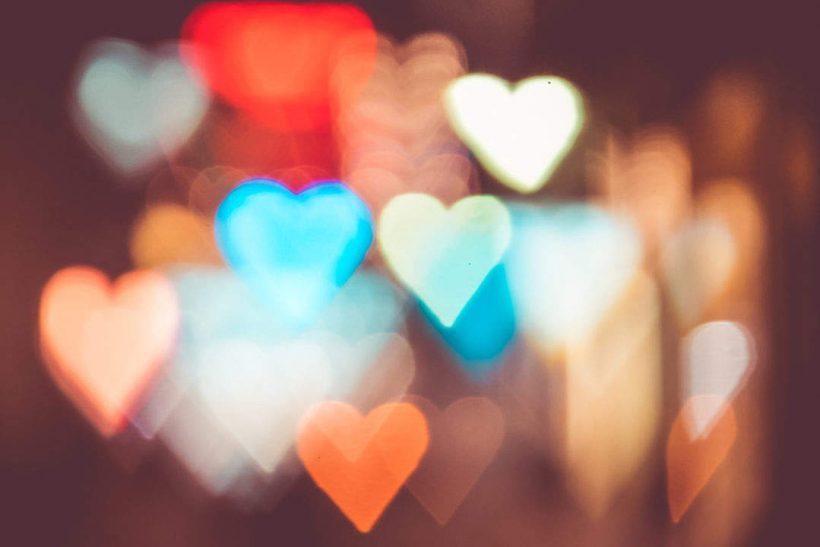night-city-lights-abstract-heart-bokeh-trick_free_stock_photos_picjumbo_dsc02980-1080x720