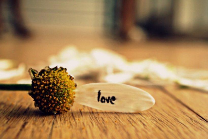 Μπορείς ν' αγαπάς κάποιον χωρίς να περνάτε χρόνο μαζί