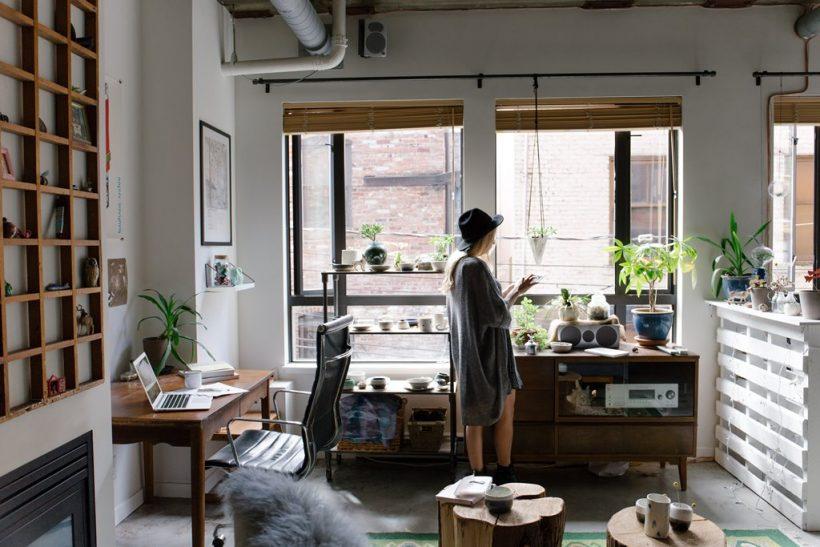 Μεσημέρια με τα παράθυρα ανοιχτά