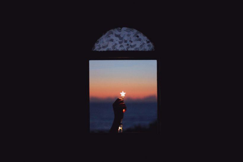 Κι η πιο σκοτεινή νύχτα ξημερώνει