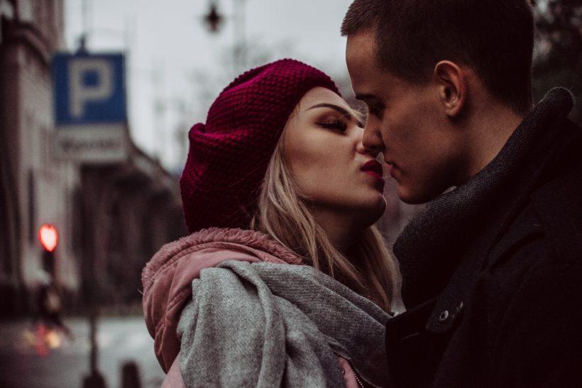 Πρώτο ραντεβού και φιλί δεν πάνε πάντα μαζί