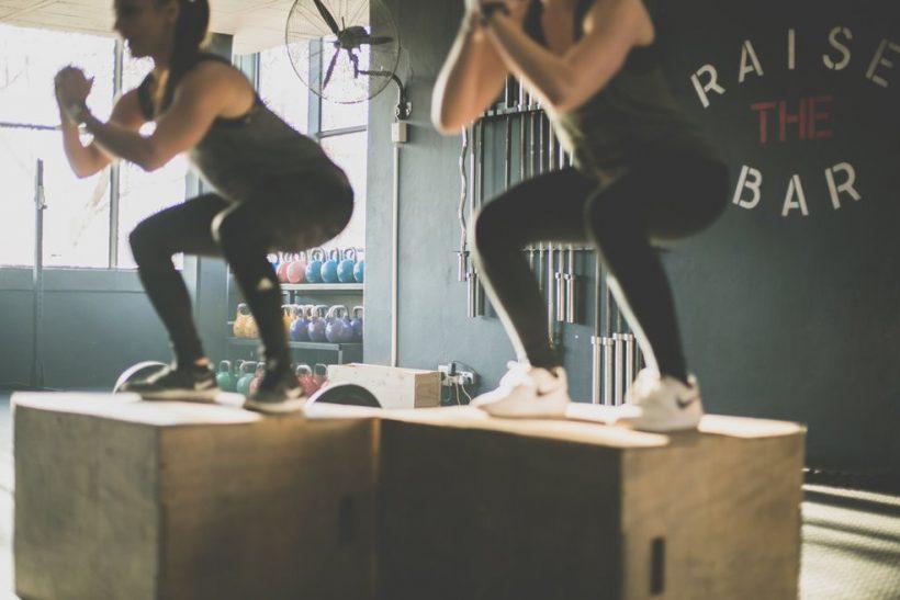 Το γυμναστήριο είναι βαρετό χωρίς το κολλητάρι