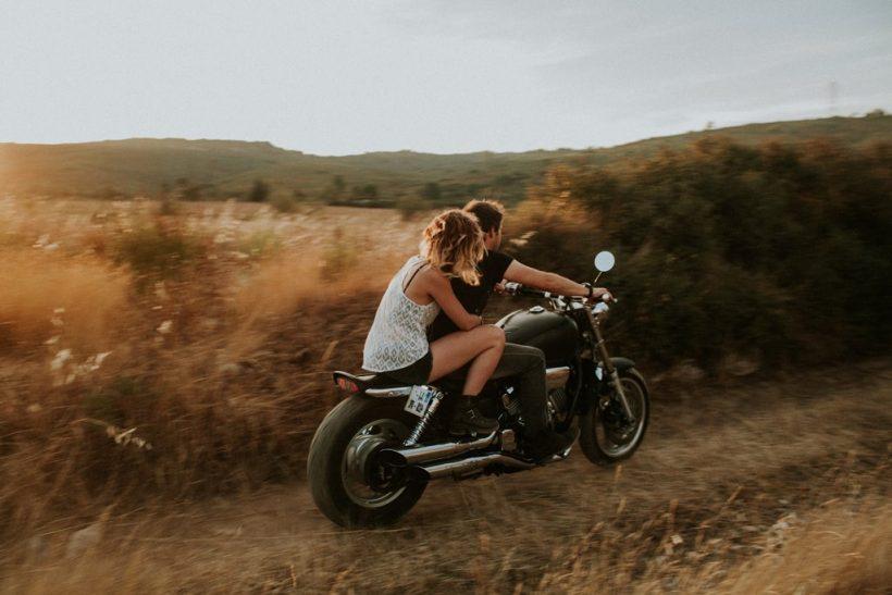 Τα παρατάς όλα για να ακολουθήσεις τον έρωτα;