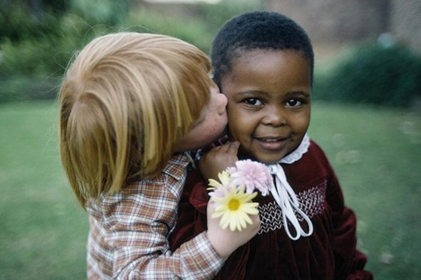Μαθαίνουμε τα παιδιά μας να σέβονται το διαφορετικό