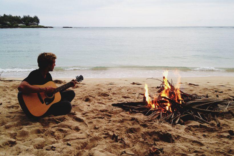 10 τραγούδια που φέρνουν το καλοκαίρι