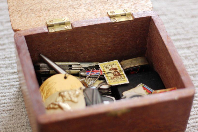 Βάλε σ' ένα κουτί όσα σου δίνουν δύναμη και χαμόγελο