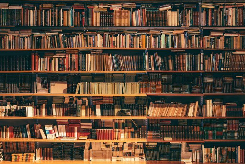 Τα βιβλία είναι δώρα που ανοίγεις ξανά και ξανά