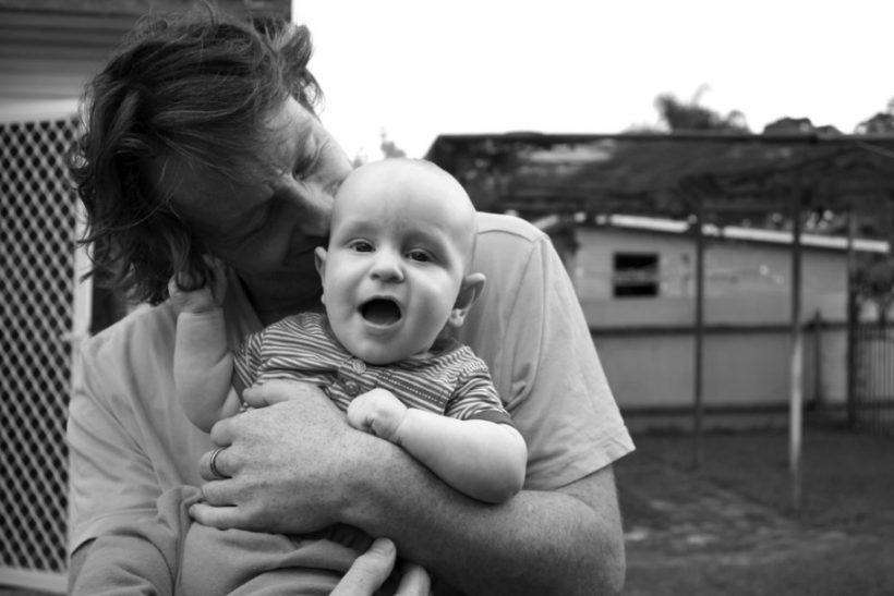 9 μήνες δένεσαι με τη μαμά, με τον μπαμπά στο πρώτο βλέμμα