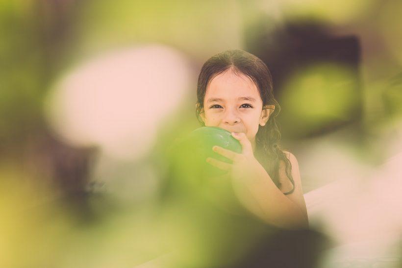 Η υιοθεσία ενός παιδιού δείχνει μεγαλείο ψυχής