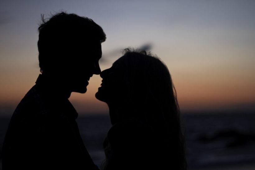 «Το φιλί ενώνει πιο πολύ από το κορμί»