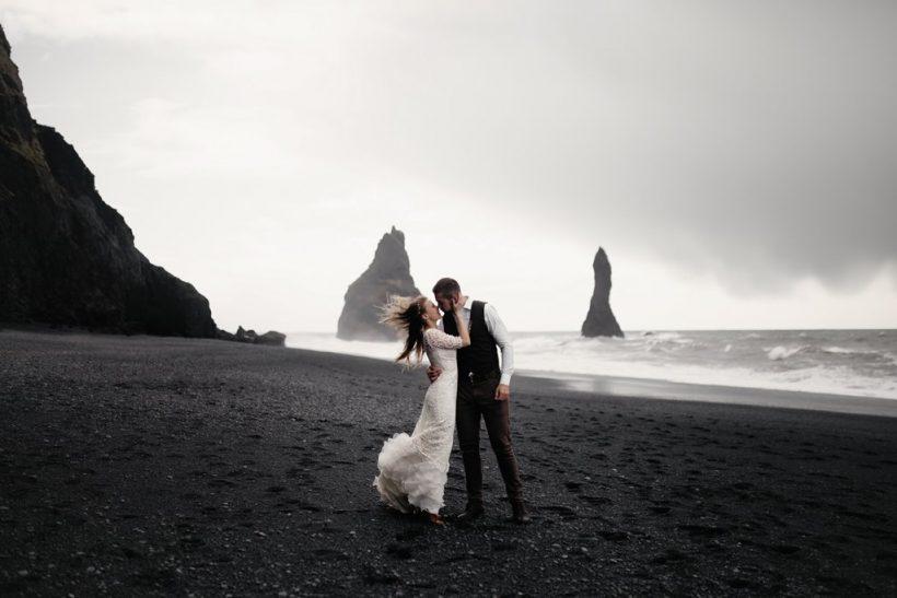 Κάναμε τους γάμους όρους συμφωνητικού