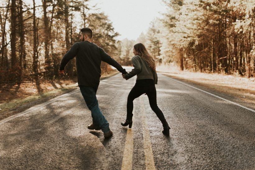Τι σόι ελεύθερη σχέση είναι με τόσους κανόνες;
