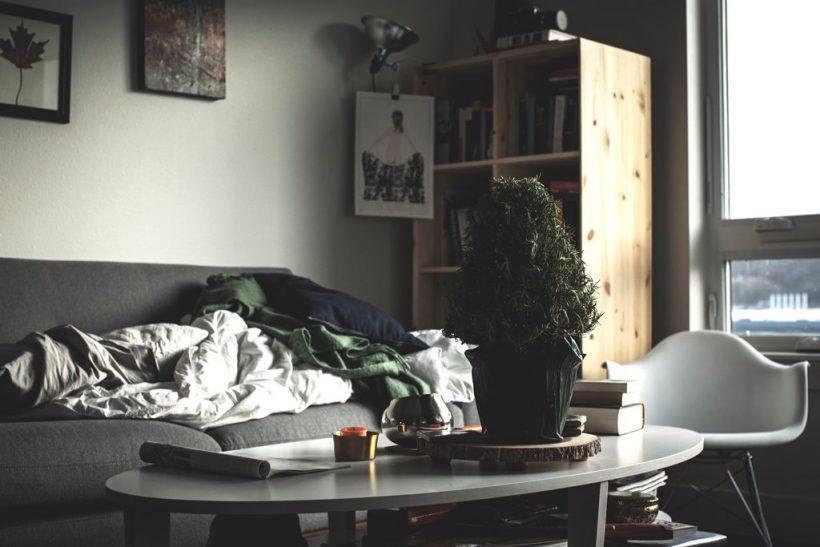 10 μυστικά που ξέρει μόνο ο καναπές μας!