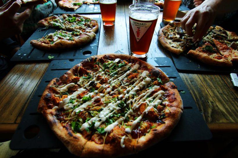 Πίτσα-μπίρα: το πιο καυτό δίδυμο!