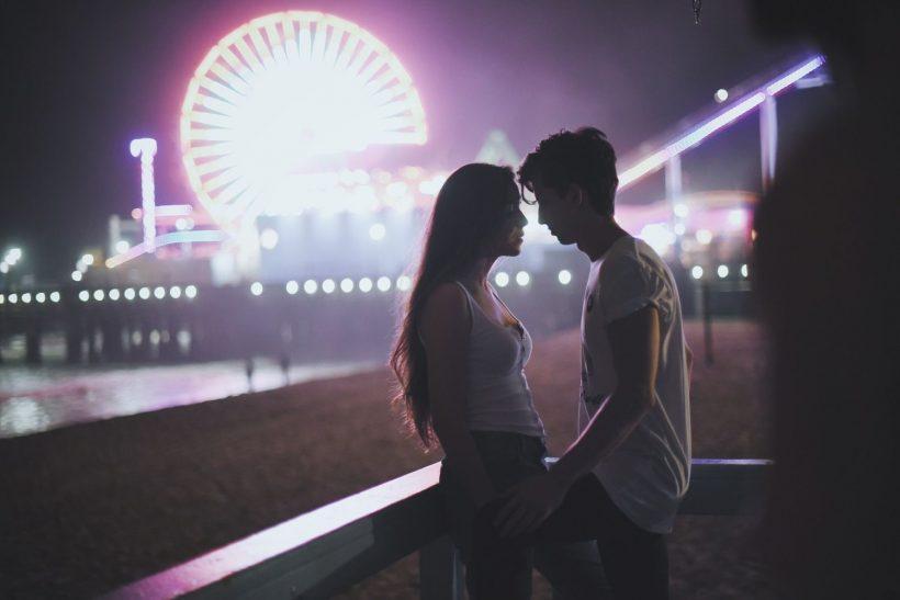 Καλοκαιρινοί έρωτες· εκείνοι που δεν άντεξαν να μη συμβούν