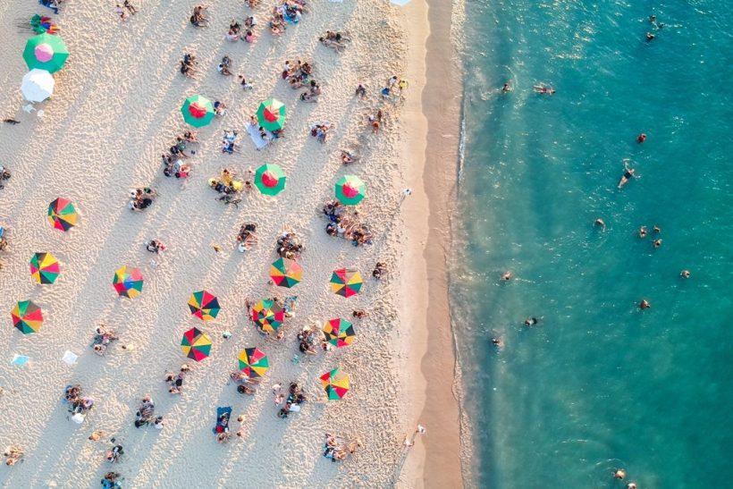 Πάμε όλοι μαζί σε μια παραλία!