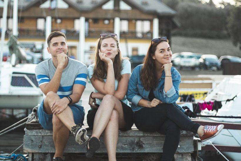 Στον χωρισμό οι κοινοί φίλοι κρατούν τις ισορροπίες