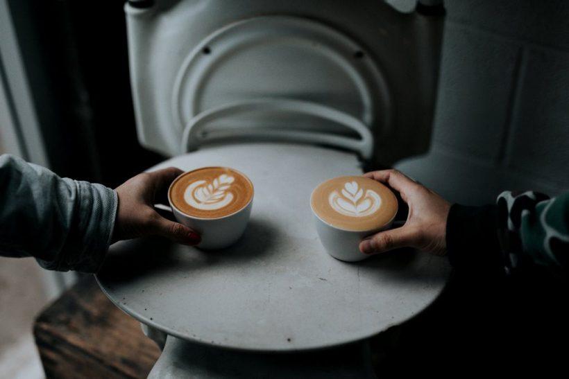 «Μωρό μου, πώς πίνεις τον καφέ σου;»