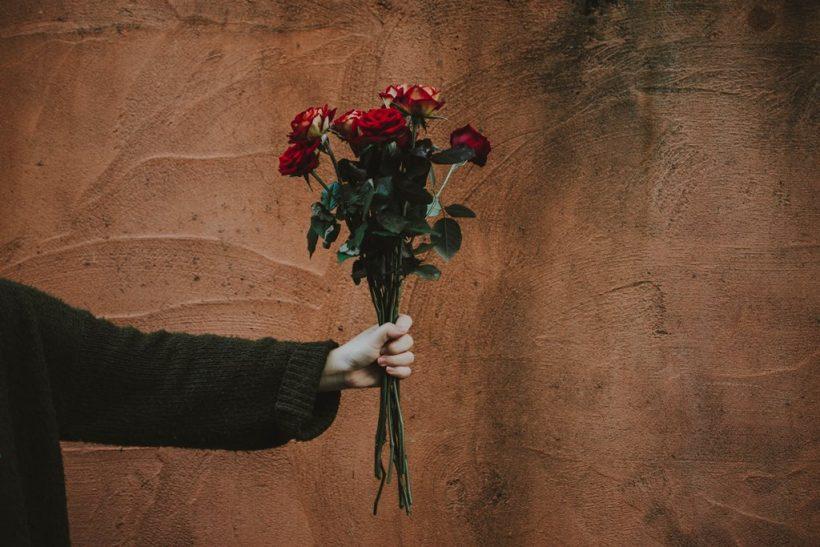 Τα λουλούδια είναι για να χαρίζονται σε πρόσωπα αγαπημένα