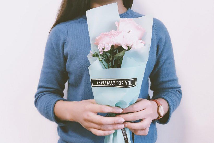 Τα ανώνυμα δώρα κρύβουν ανείπωτα συναισθήματα
