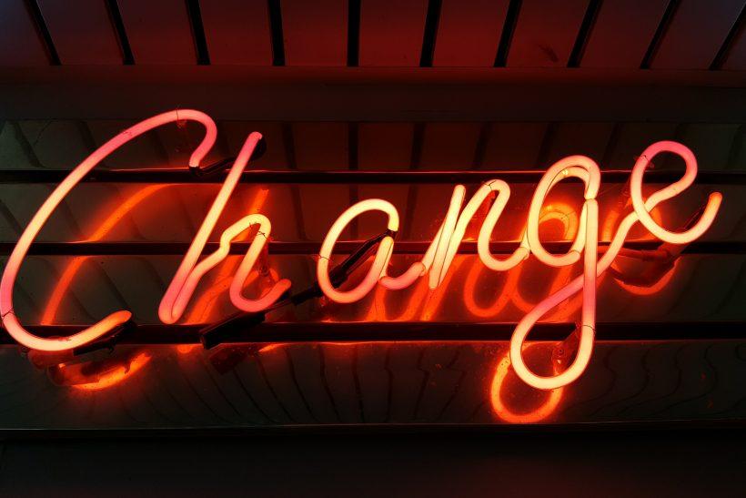Σκέψου πόσο δύσκολα αλλάζεις πριν σκεφτείς να τους αλλάξεις