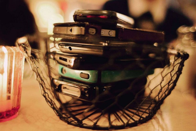 Τα πρώτα κινητά έμοιαζαν με παντόφλες