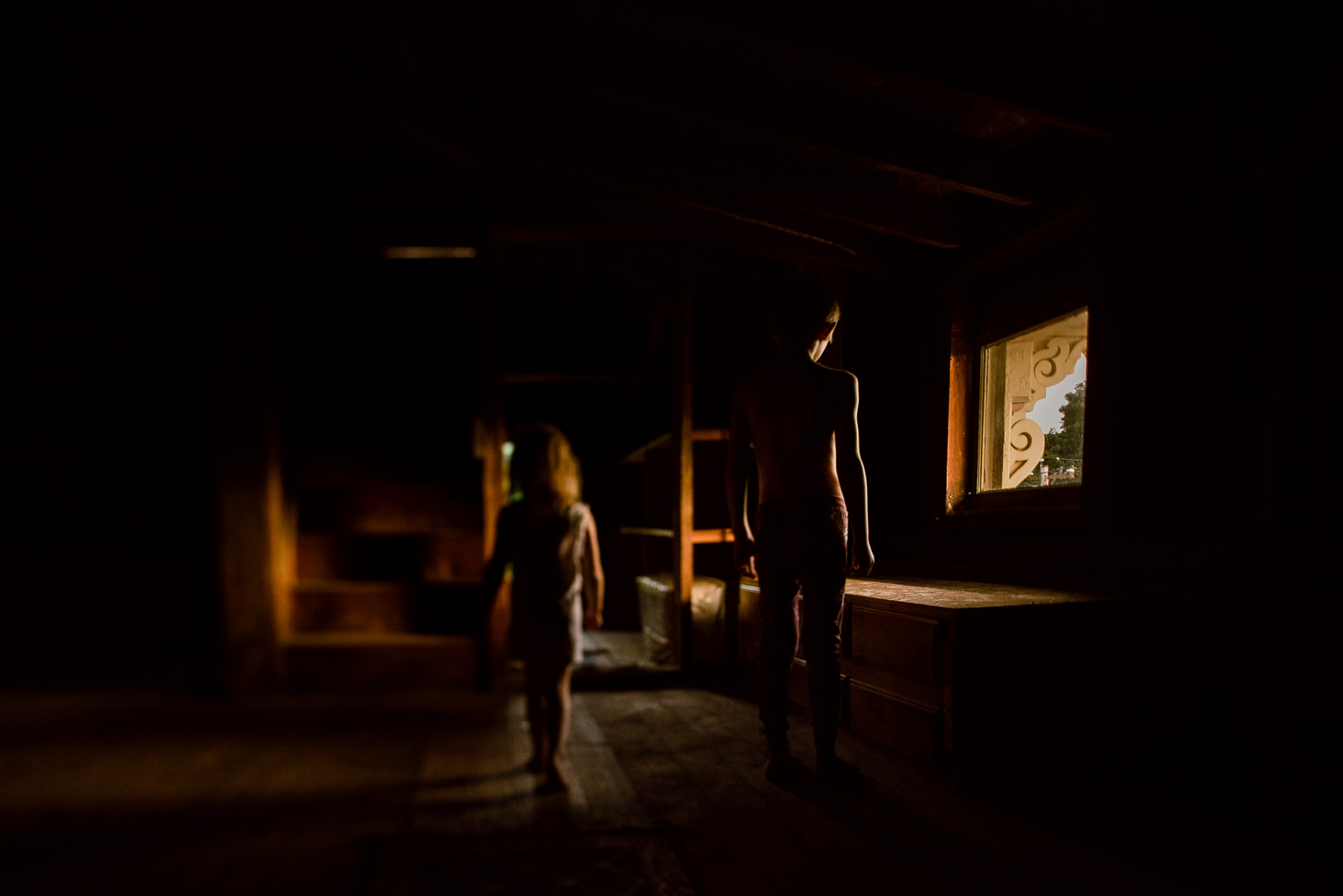 spooky-photo-with-moody-atmosphere-for-halloween-by-sarah-wilkerson-8235