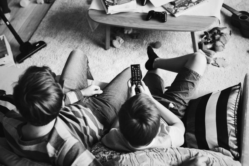 Η τηλεόραση είναι ο χειρότερος φίλος του παιδιού σου