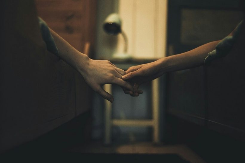 aesthetic-couples-holding-hands-love-favim-com-5028950