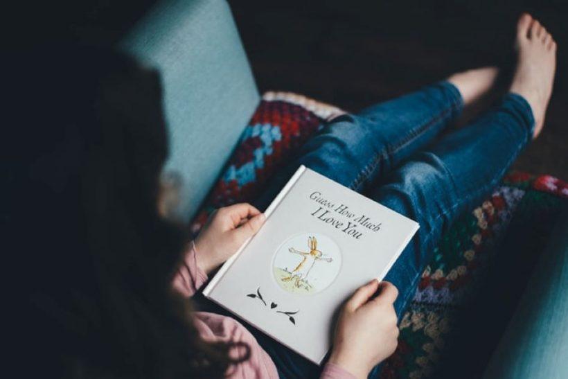 Να παίρνετε στα παιδιά βιβλία