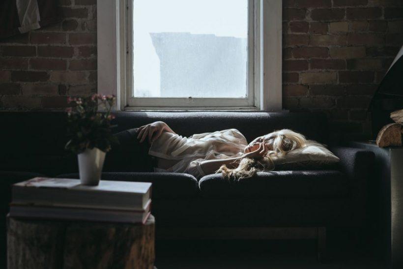 Οι μέρες που μένουμε σπίτι είναι για λιώσιμο στον καναπέ