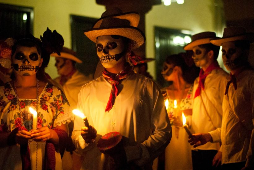 Οι 10 πιο περίεργες γιορτές κι έθιμα του κόσμου
